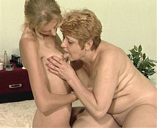 mature woman licks girls nipples
