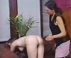 Nicole Mature women spanking want play