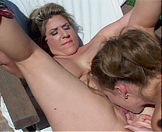 girl licking mature womans vagina